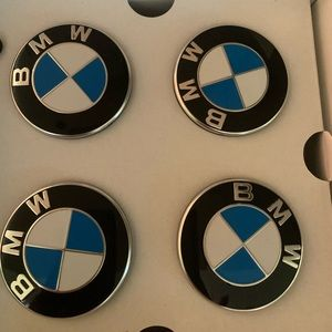 BMW floating center caps